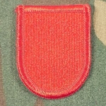 Beret Flash, 82nd Airborne Division (Airborne) Artillery (DIVARTY), Merrored Edge